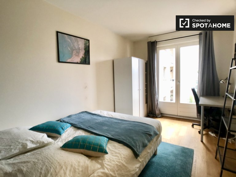 Nettes Zimmer zu vermieten in Paris 11