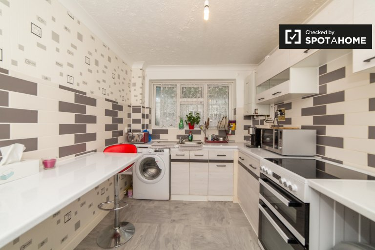 Lewisham, Londra'da kiralık 3 yatak odalı daire