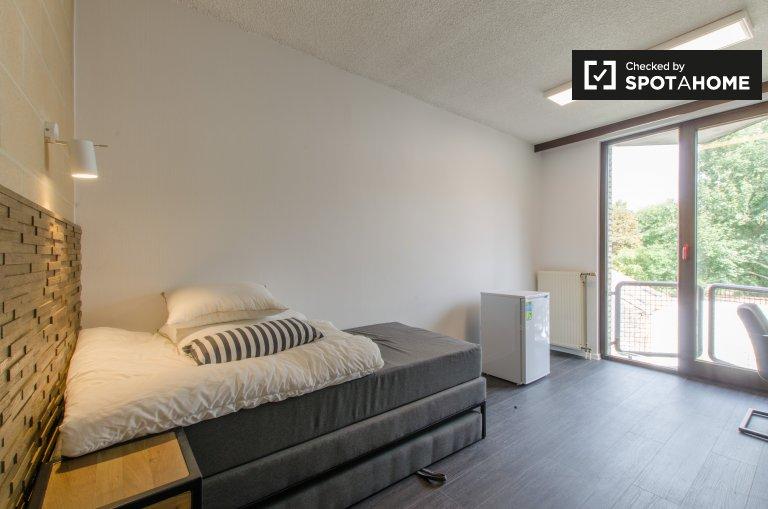 Chambre pittoresque dans un appartement à Saint Gilles, Bruxelles