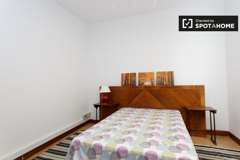 Bedroom 8 with double bed and AC