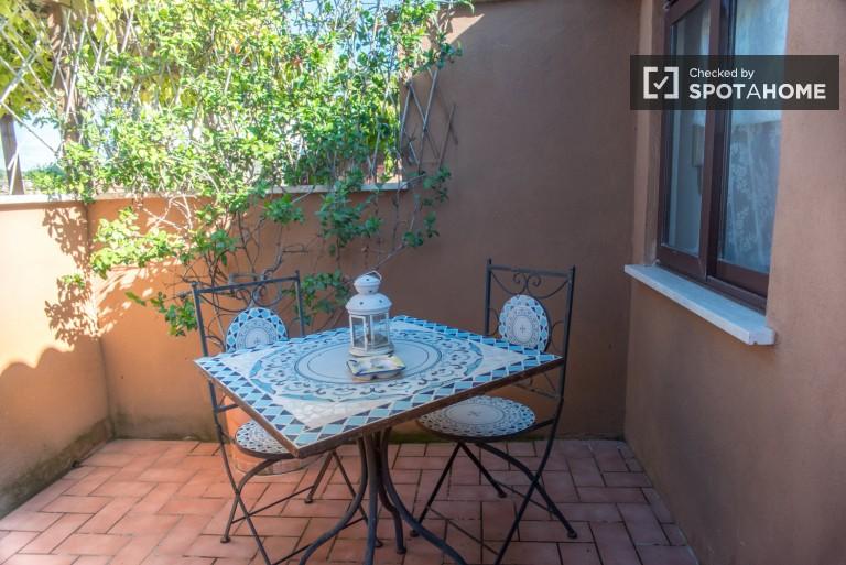 Studio avec Terrasse à Louer - Rome