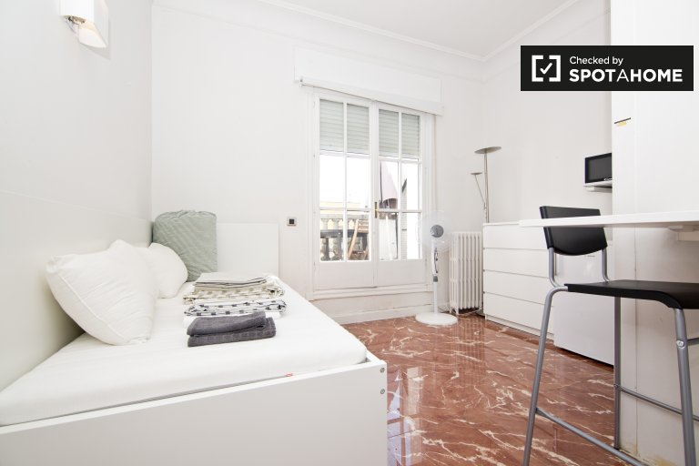 Studio apartment with terrace for rent in Salamanca, Madrid