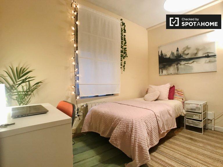 Habitación individual en alquiler, apartamento de 3 dormitorios, Carabanchel, Madrid