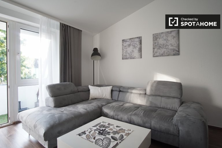 Modern 1-bedroom apartment with balcony for rent in Reinickendorf