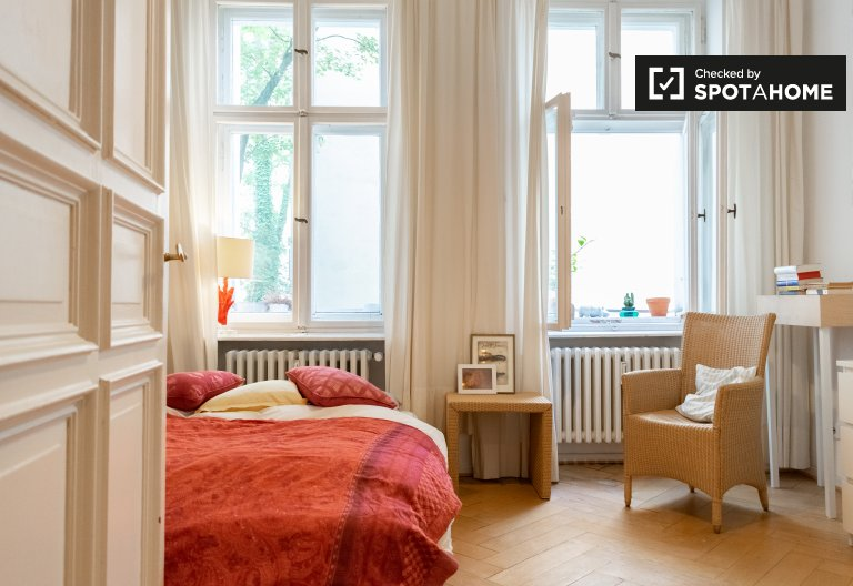 Room for rent in apartment with 2 bedrooms, Wilmersdorf