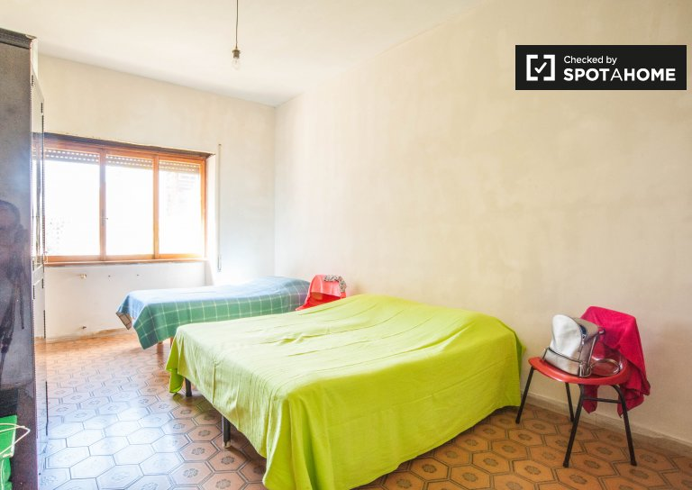 Furnished room in apartment in San San Giovanni, Rome