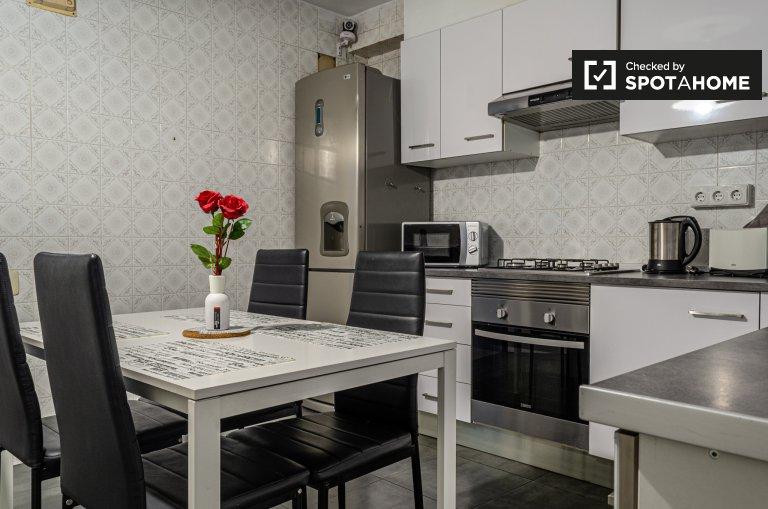Alquiler de habitaciones en apartamento de 8 dormitorios en Patraix
