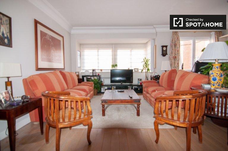 Apartamento mobiliado com 4 quartos para alugar em Chamartín, Madrid