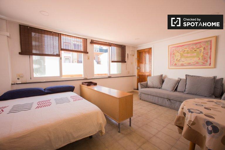 Studio apartment for rent in L'Eixample, Valencia