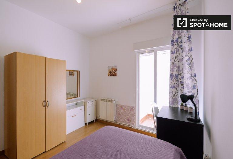 Przytulny pokój do wynajęcia w apartamencie z 2 sypialniami, Villaverde