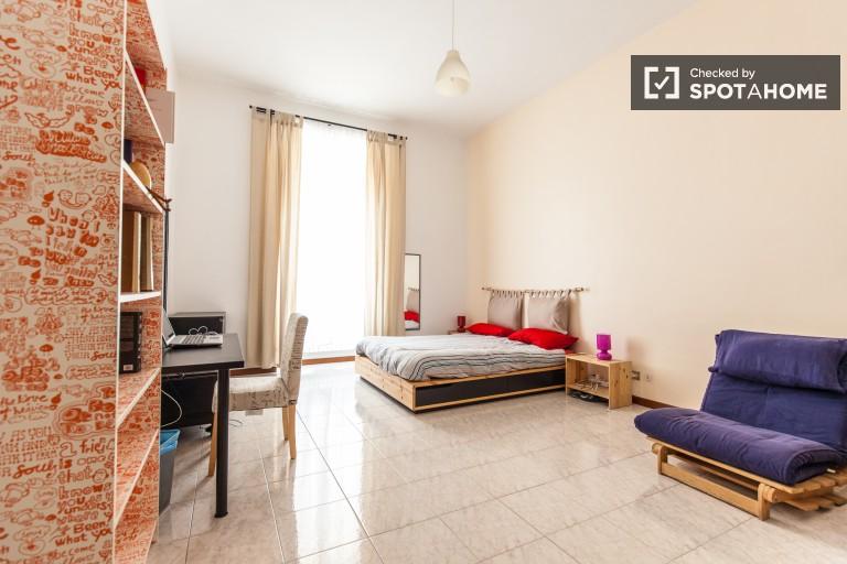 Pokój dwuosobowy w apartamencie w centrum Rzymu