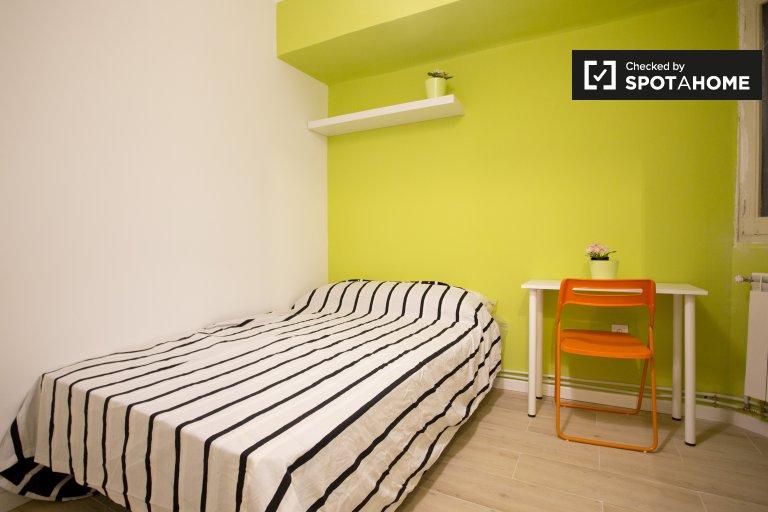 Stylowy pokój do wynajęcia w Aluche w Madrycie