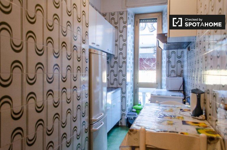 Appartement meublé de 2 chambres à louer à San Lorenzo, Rome