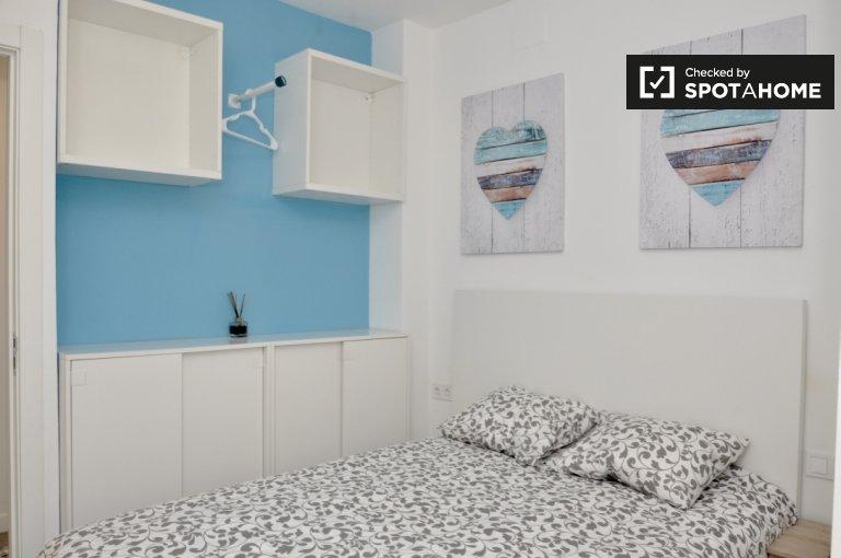 Teilen Sie eine 6-Zimmer-Wohnung in La Barceloneta, Barcelona