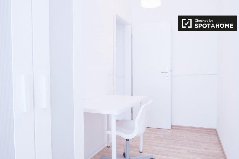 Chambre à louer dans un appartement de 3 chambres à Friedrichshain