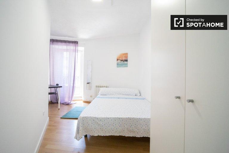 Agradável quarto para alugar, apartamento de 11 quartos, Centro, Madrid