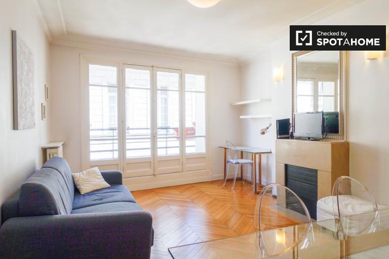 Jasne mieszkanie 1-pokojowe do wynajęcia w centrum miasta, Paryż 2