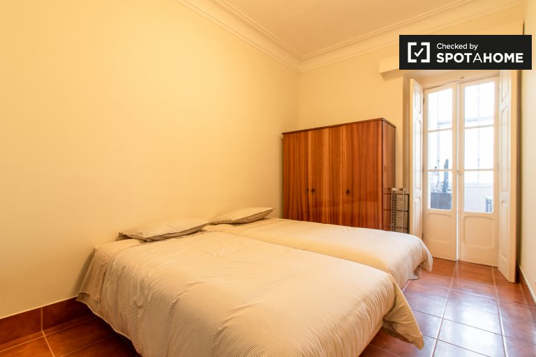 Comoda camera in affitto ad Arroios, Lisbona