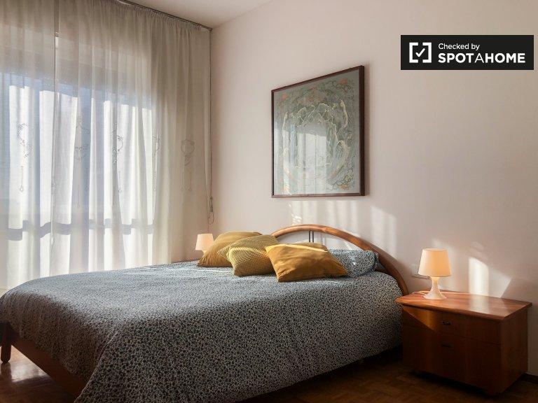 Fabulosa habitación en alquiler en apartamento de 4 habitaciones, Maciachini