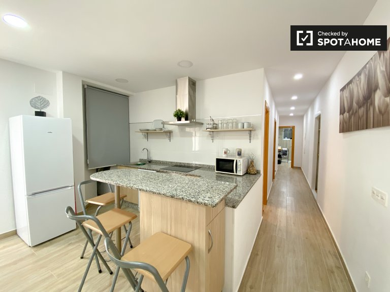 Appartement 3 chambres à louer à Poblats Marítims