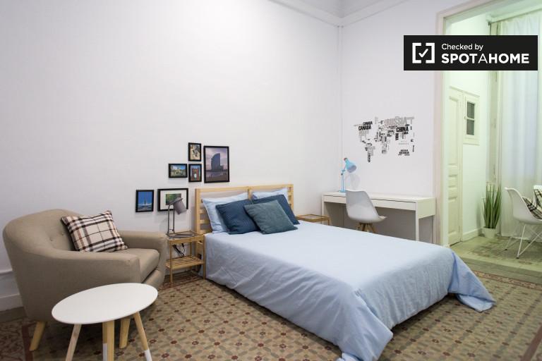 Wynajmij pokój w apartamencie z 8 sypialniami w Gracia w Barcelonie