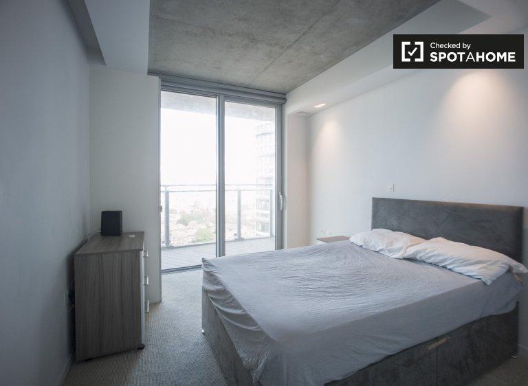 Quarto luminoso para alugar em apartamento de 3 quartos, Beckton, Londres