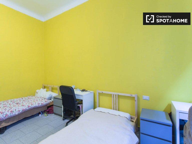 Habitación compartida en apartamento de 2 dormitorios en Navigli, Milán
