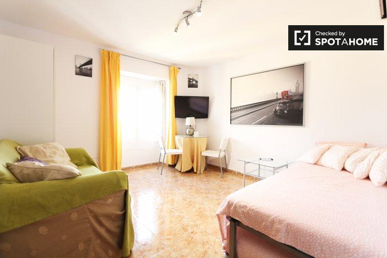 Apartamento mobiliado com 2 quartos para alugar em La Latina, Madrid