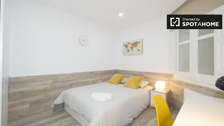 Pokój w apartamencie z 2 sypialniami w Sarrià-Sant Gervasi