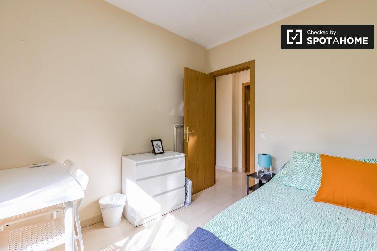 Chambre à louer dans un appartement de 4 chambres à coucher à Patraix, Valence