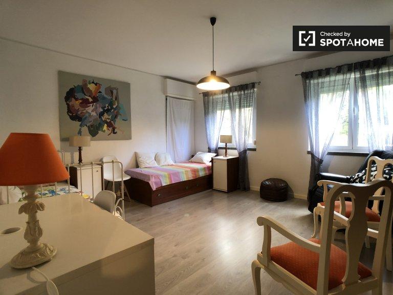 Kiralık ikiz oda, 4 yatak odalı daire, Oeiras, Lizbon