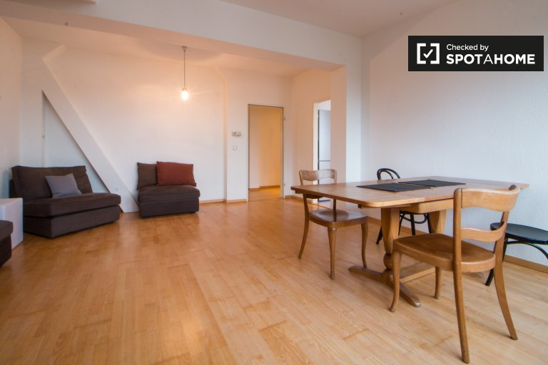 Spacious 2-bedroom apartment for rent in Mitte