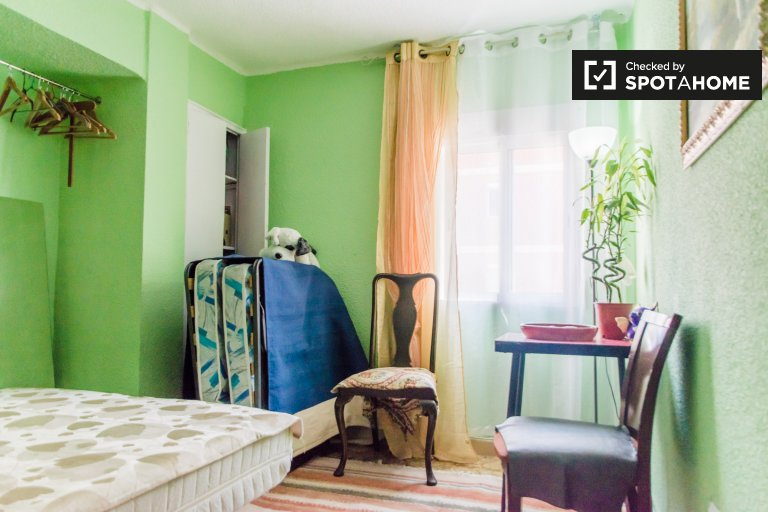 Colorful room for rent in Morvedre, Valencia