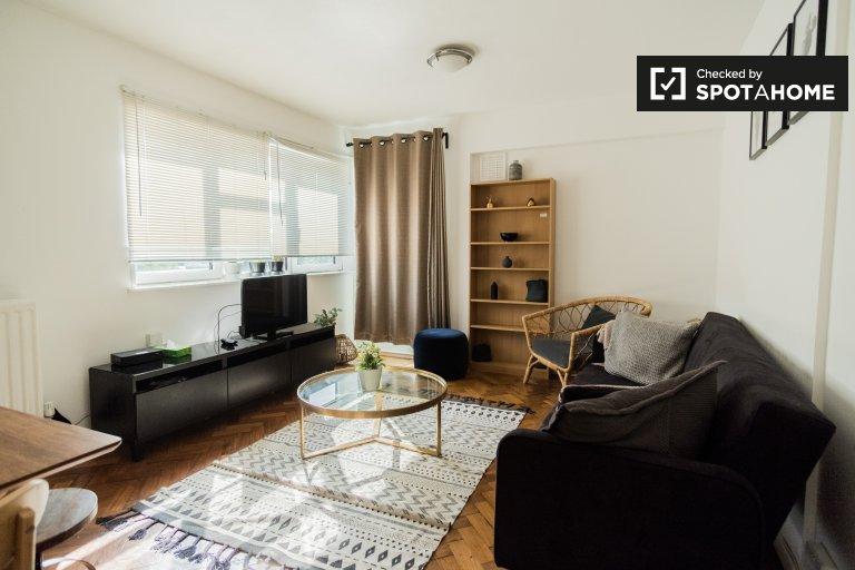 3-bedroom apartment to rent in Lambeth, London