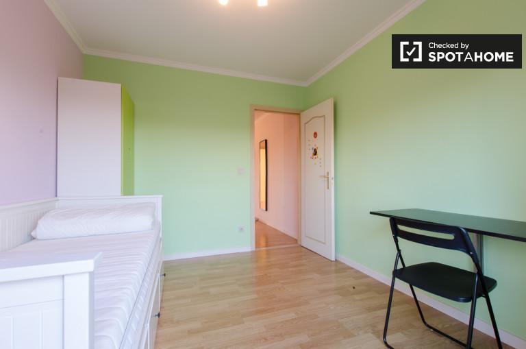 Encantadora habitación en apartamento en Evere, Bruselas