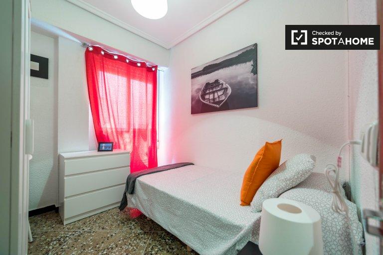 Pokój w apartamencie z 5 sypialniami w Quatre Carreres w Walencji