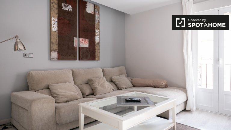 Modern 2-bedroom apartment for rent in Tetuán, Madrid