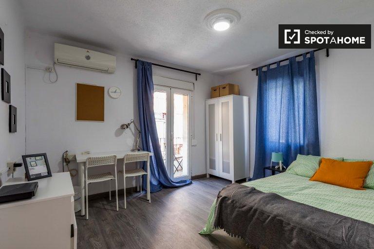 Valencia, Rascanya'daki 3 yatak odalı dairede geniş oda