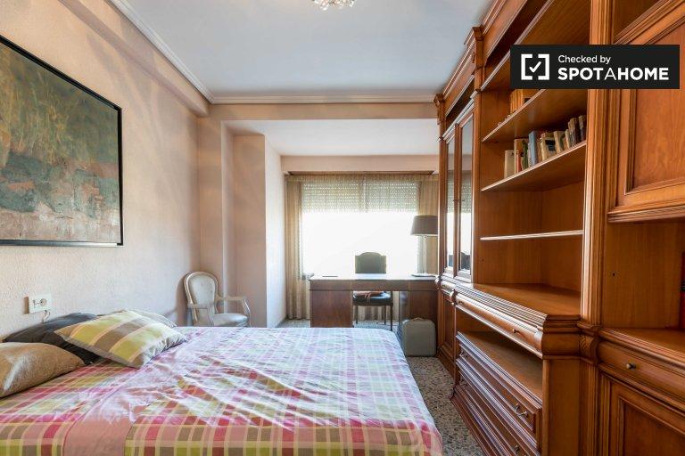 Uroczy pokój do wynajęcia w El Pla del Real, Valencia