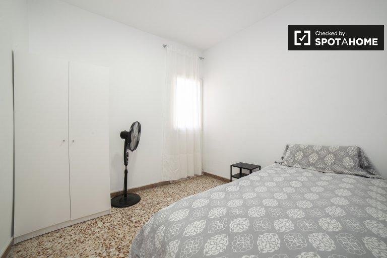 Privatzimmer für Männer in 3-Zimmer-Wohnung in Poblenou