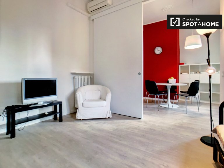 Modern 1-bedroom apartment for rent in Isola, Milan