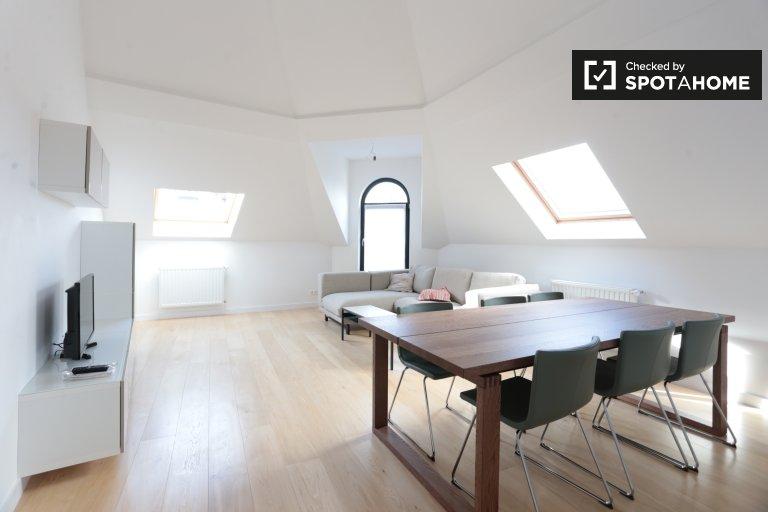 Lumineux appartement de 2 chambres à louer à Etterbeek, Bruxelles