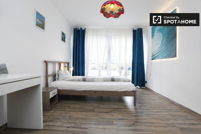 Berlin Neukölln'de 2 yatak odalı kiralık daire