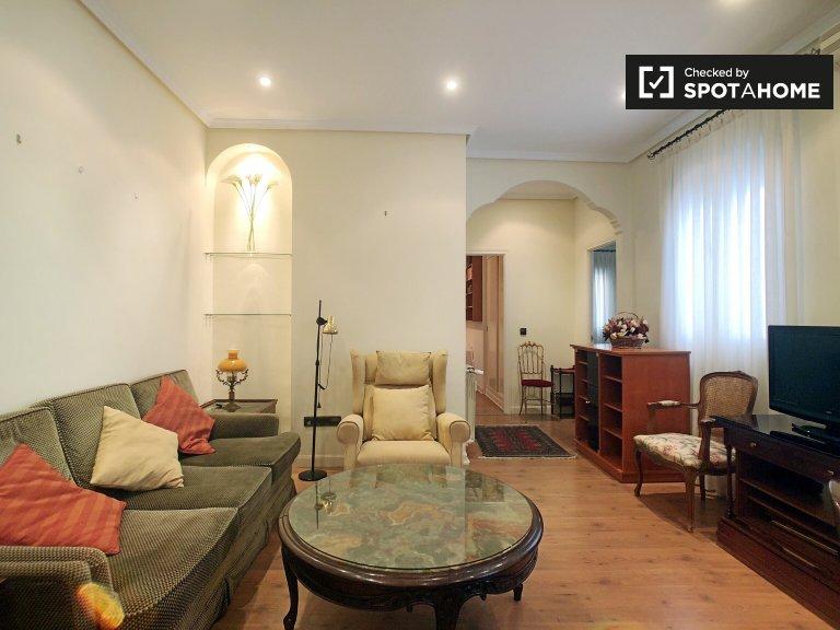 Stylowy 2-pokojowy apartament do wynajęcia w Retiro w Madrycie
