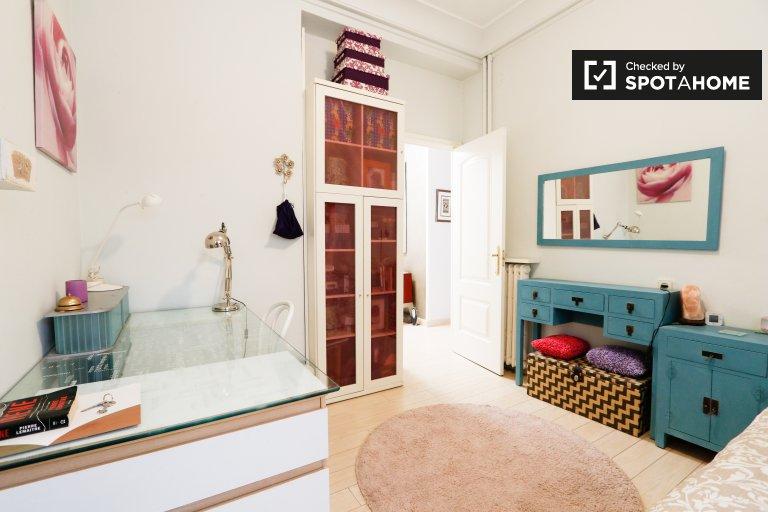 Uroczy pokój do wynajęcia w apartamencie z 3 sypialniami Rios Rosas