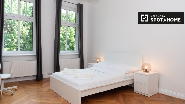 Large apartment with 3 bedrooms for rent in Neukölln, Berlin