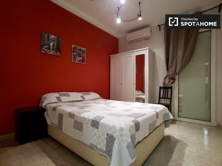 3 yatak odalı dairede balkonlu oda, Sants, Barcelona