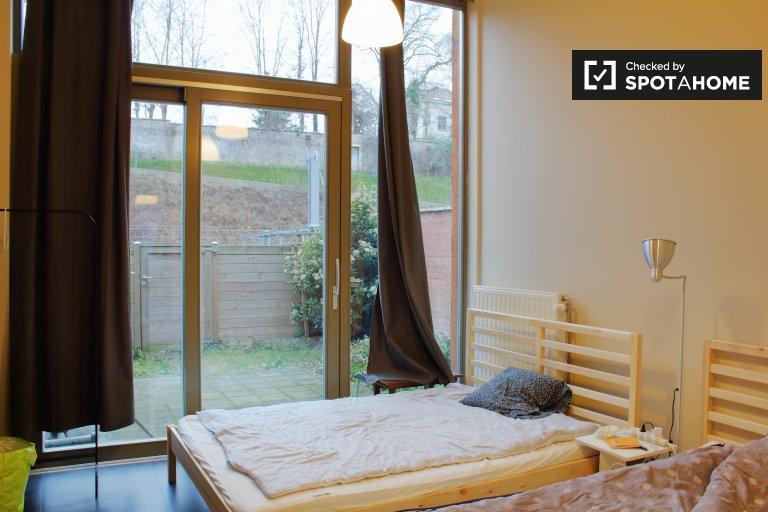 Schlafzimmer zu vermieten in Ixelles