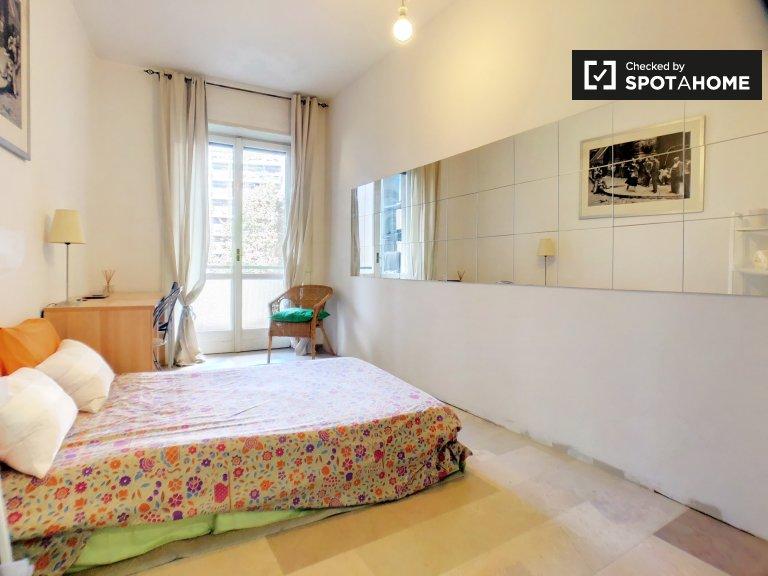 Pokój do wynajęcia w apartamencie z 3 sypialniami w Lorenteggio, Mediolan