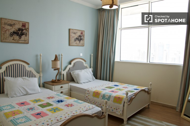 Spacious 2-bedroom apartment for rent in Downtown Dubai